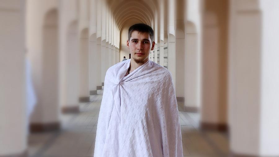 Антон Веснин во время хаджа