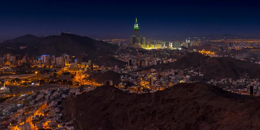 Ночная панорама Мекки, Саудовская Аравия