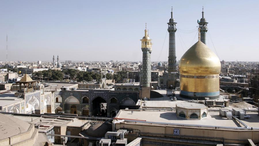 Панорама Кума с видом на харам Фатимы Масумы, Иран
