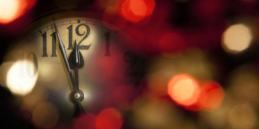 Часы перед началом нового года