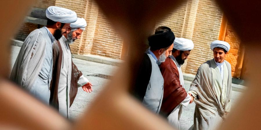 Хадисы отом, что деяния верующих представляются Имамам из рода Мухаммада