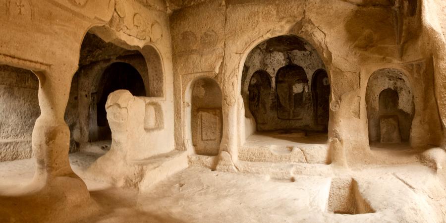 Пещеры в горах, в которых жили древние христиане, Каппадокия, Анатолия, Турция