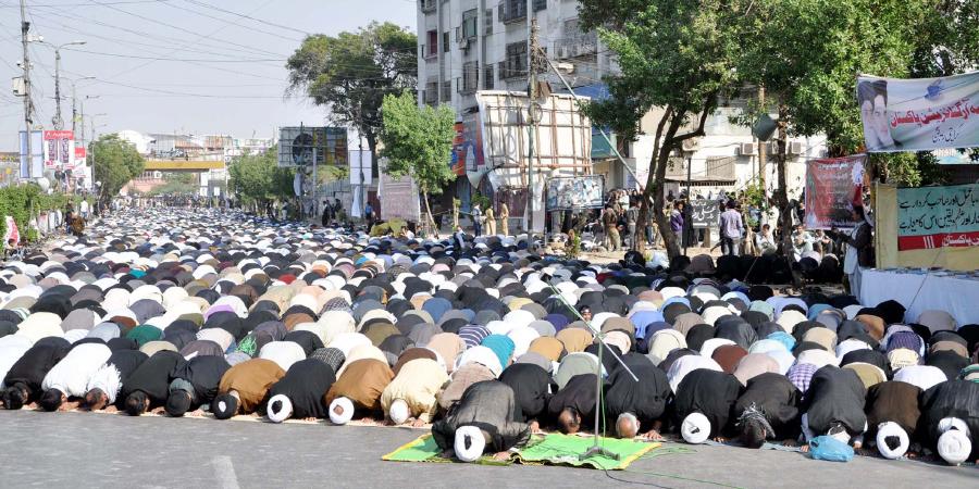 Алламе Маджлиси одостоинствах общественной молитвы