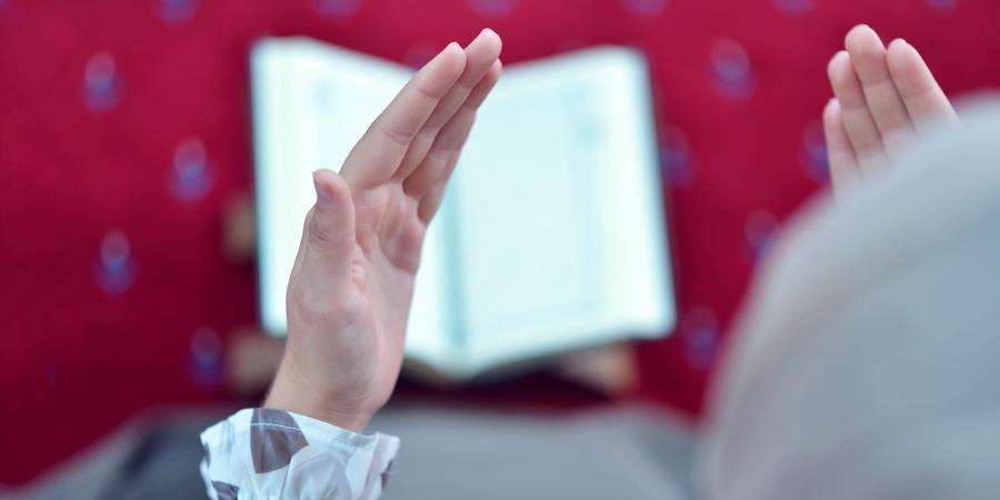 Четыре великих деяния, которые Посланник Аллаха обязал совершать Фатиму Захру перед сном