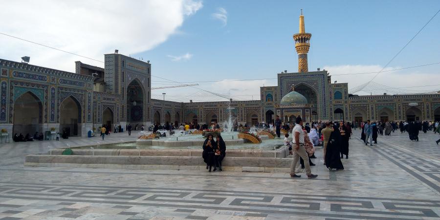 Внутренний двор харама Имама Резы, Мешхед, Иран