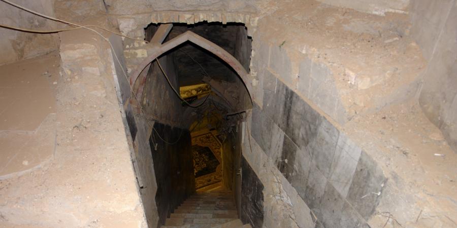 Разрушенный ваххабитами вход в подземелье, в котором Имам Махди ушёл в сокрытие, Самарра, Ирак