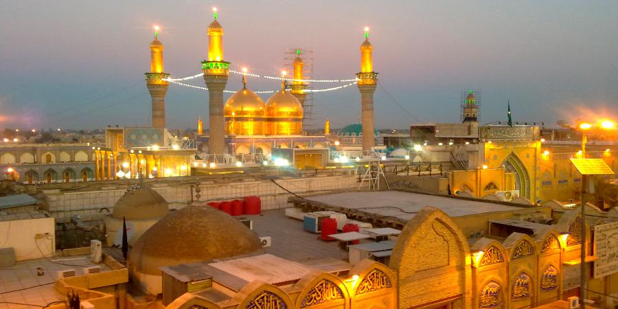 Вид на комплекс Казимейн издалека, Багдад, Ирак