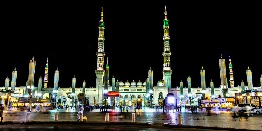 Мечеть Пророка ночью, Медина, Саудовская Аравия