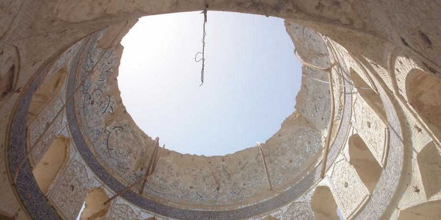 Купол комплекса Аскарейн после взрыва, устроенного ваххабитами, Самарра, Ирак