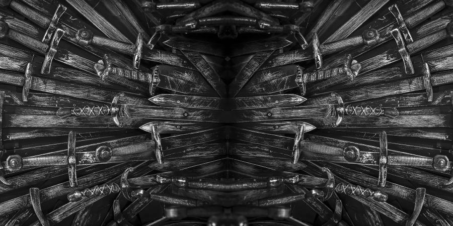 Коллаж из множества мечей